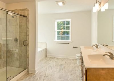 molded double vanity with shower and tub
